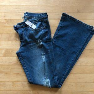New York & Company NWT Soho Flare Jeans Size 6